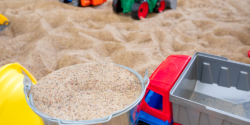 Лучший песок для песочницы является чистым и мягким